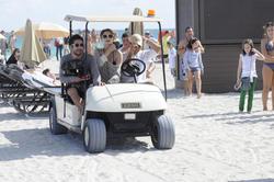 http://img21.imagevenue.com/loc240/th_312562798_Mischa_Barton_Bikini_Candids_on_the_Beach_in_Miami_December_27_2011_207_122_240lo.jpg