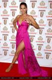 Halle Berry's legs pics x 20 pix