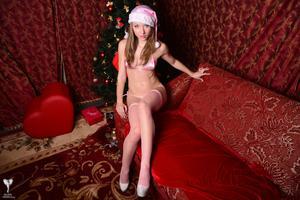 Kira-Sexy-Pink-Christmas-%5BZip%5D-r5m5fgjr0s.jpg