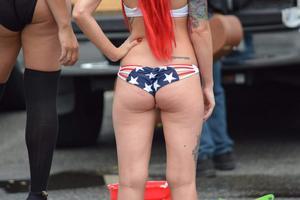 USA-Street-Candid-Bikini-e5olxr8yi5.jpg