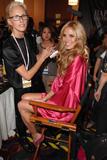 th_25930_fashiongallery_VSShow08_Backstage_HeidiKlum-22_122_610lo.jpg