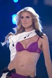 th_20426_Victoria_Secret_Celebrity_City_2007_FS_0425_123_888lo.jpg
